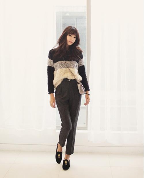"""Mix đồ phong cách với """"hot item"""": Áo len xù 8"""