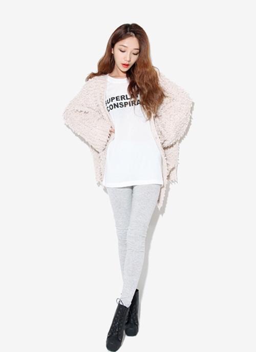 """Mix đồ phong cách với """"hot item"""": Áo len xù 14"""