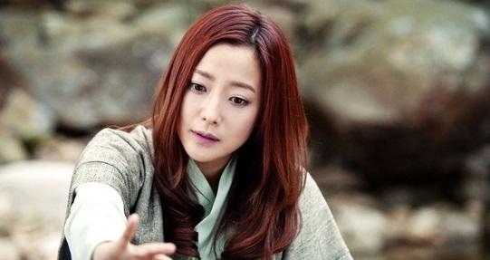 Vợ chồng chuyển giới vẫn qua mặt Lee Min Ho