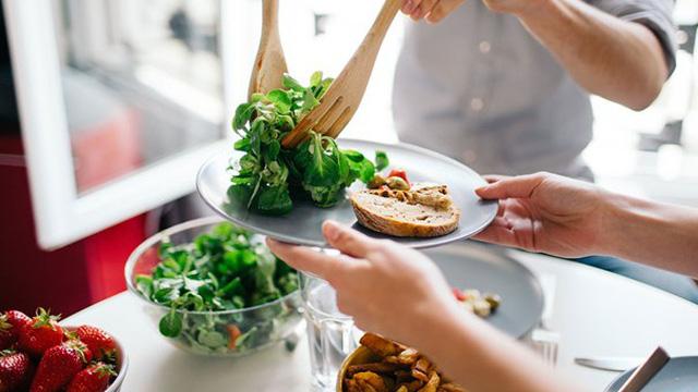 Lời khuyên về ăn uống của chuyên gia dinh dưỡng giúp bạn ăn uống lành mạnh hơn