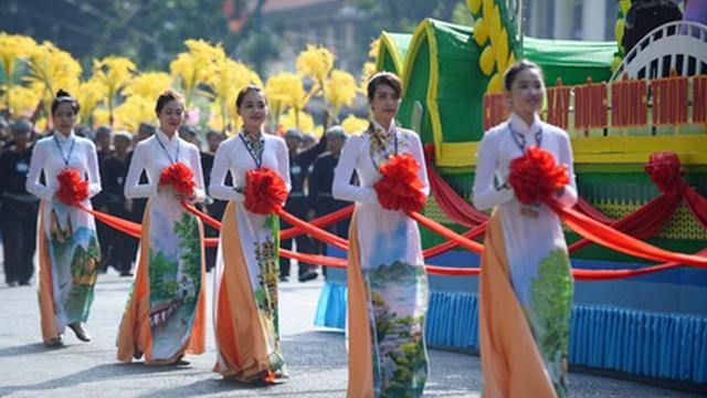 Diễu Binh Kỷ Niệm 40 Năm Giải Phong Miền Nam Thống Nhất đất Nước