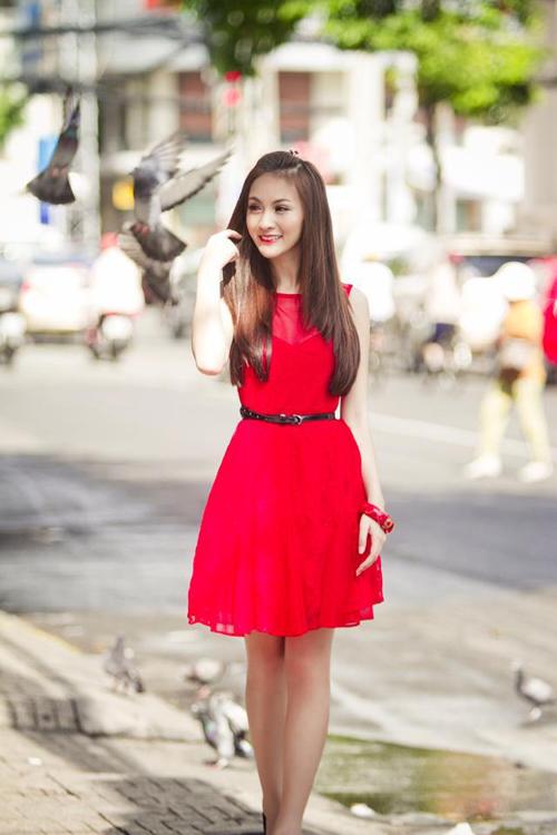 Điểm danh 5 hot girl mặc đẹp nhất năm 2012 52
