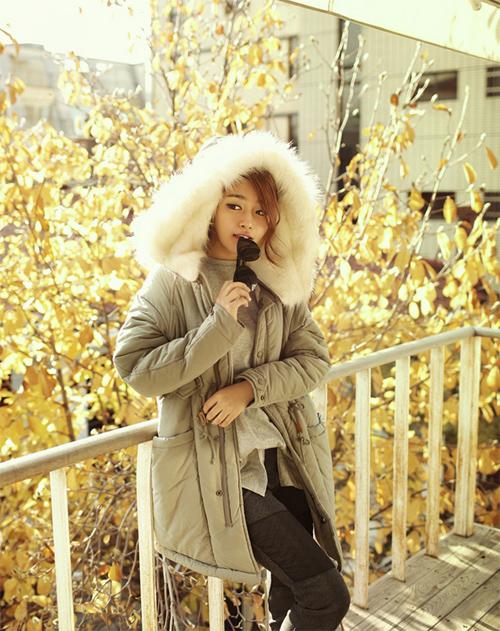 Học cách mix áo phao cực chất cho những ngày lạnh mưa gió 10