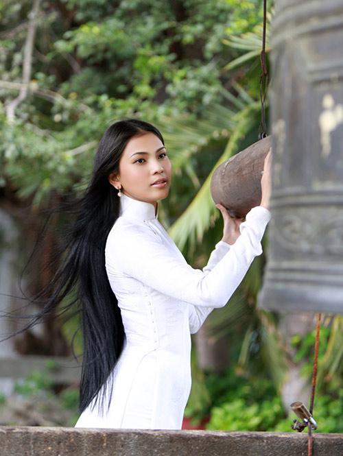 Ảnh so sánh sắc đẹp Trương Thị May với Hoa hậu Hàn Quốc gây sốt 5