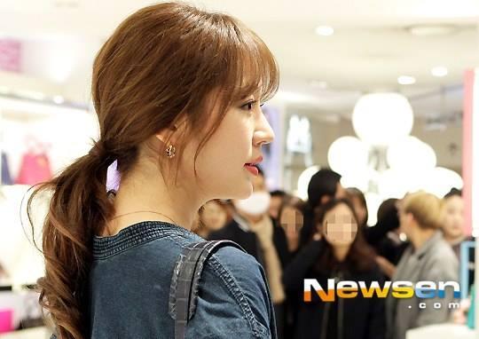 Yoon Eun Hye giản dị nhưng vẫn nổi bật trong sự kiện 9