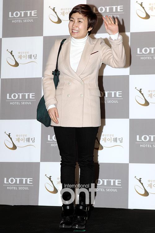 Idol Hàn xúng xính dự đám cưới như mơ của Sunye (WGs) 14