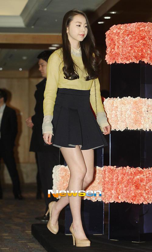Idol Hàn xúng xính dự đám cưới như mơ của Sunye (WGs) 1