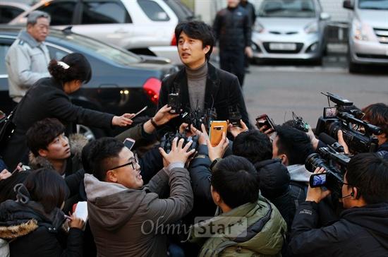 """Park Shi Hoo """"tố"""" cảnh sát Tây Seoul sai luật 5"""