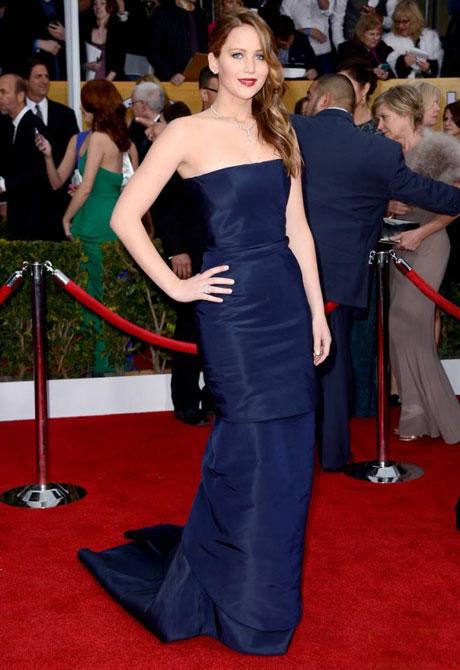 Jennifer Lawrence phân trần chuyện ngã khi nhận giải Oscar 4
