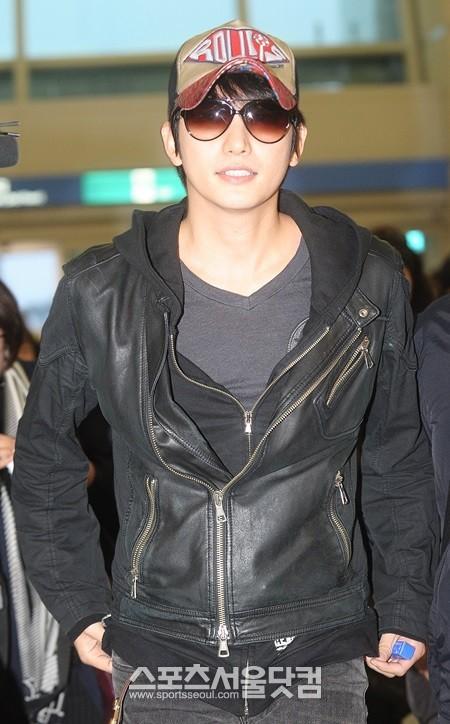 Mẹ Park Shi Hoo bí mật gặp bố nạn nhân A 3