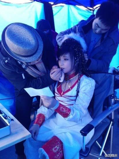 U60 Lưu Hiểu Khánh khoe ảnh hậu trường trẻ đến kinh ngạc 1