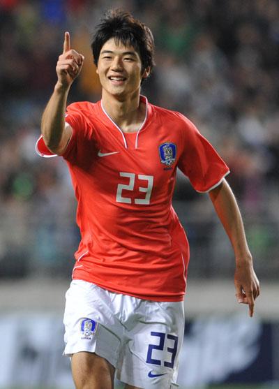 Han Hye Jin tuyên bố kết hôn vào tháng 7 3