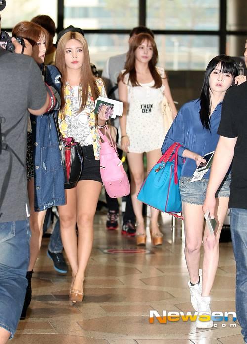 T-ara rạng rỡ tại sân bay sau khi Areum rời nhóm 8