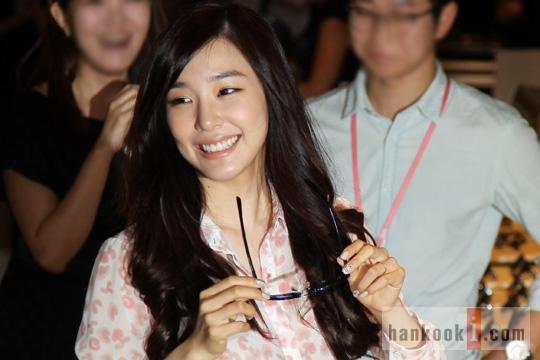 Tiffany (SNSD) khoe sắc rạng rỡ lấn át dàn sao 6