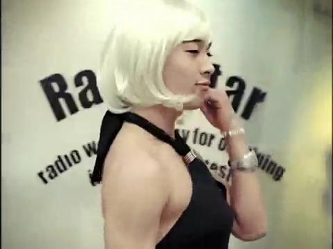 """Những MV Kpop hài """"không đỡ được"""" 5"""