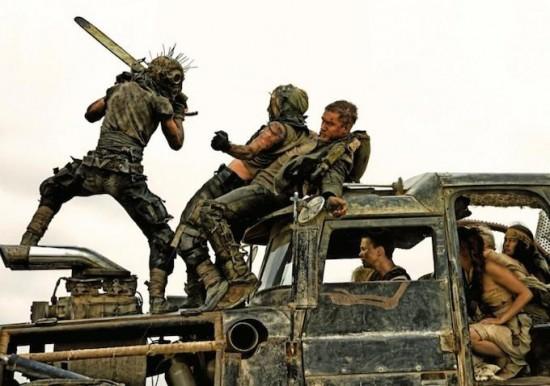 """""""Hoàng hậu ác"""" Charlize Theron hóa chiến binh 1 tay trong """"Mad Max"""" 6"""