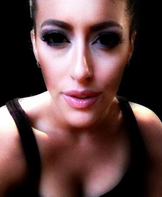 Tự make-up biến mình thành người nổi tiếng 8