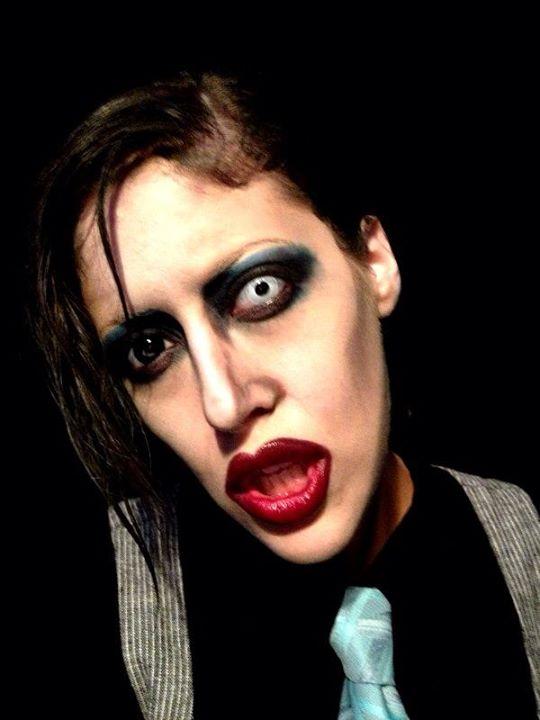 Tự make-up biến mình thành người nổi tiếng 9