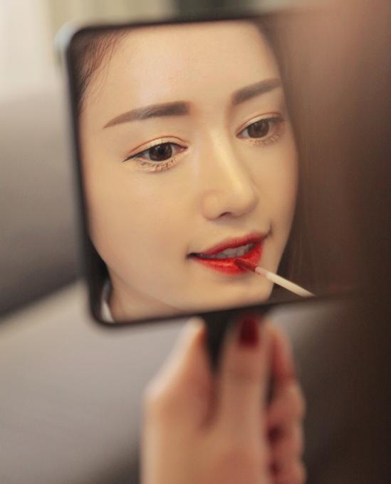Làm Đẹp Q&A: Chọn kiểu khắc phục tóc mỏng, dầu cho nàng mặt to, trán dô 8
