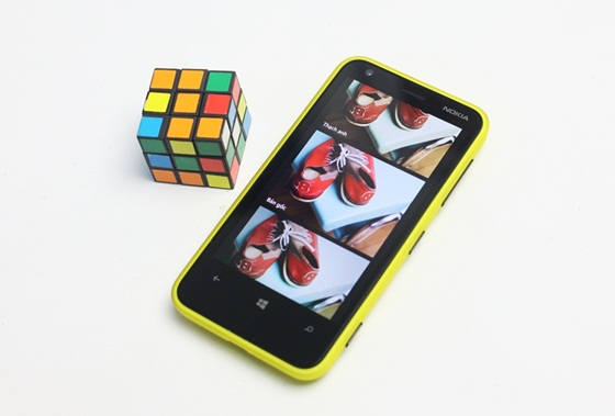 Trên tay Nokia Lumia 620 - Windows Phone 8 giá rẻ 13