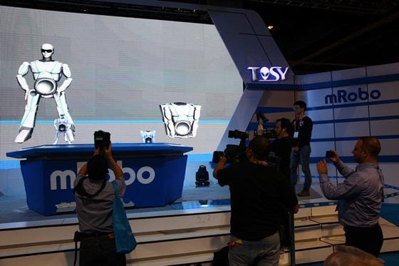 Sản phẩm robot Việt Nam gây sốt tại CES 2013 2
