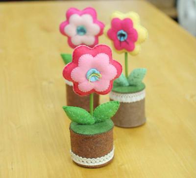 Chậu hoa vải tỏa hương khiến bạn học bài chăm chỉ 7