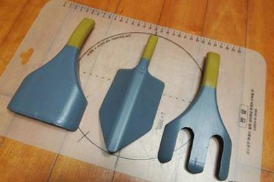 Tái chế chai nhựa thành bộ dụng cụ làm vườn xinh xắn 5