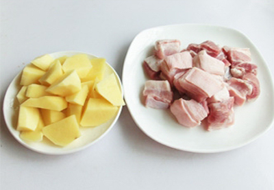 Ngày lạnh làm thịt kho khoai tây ăn với cơm nóng cực ngon 2
