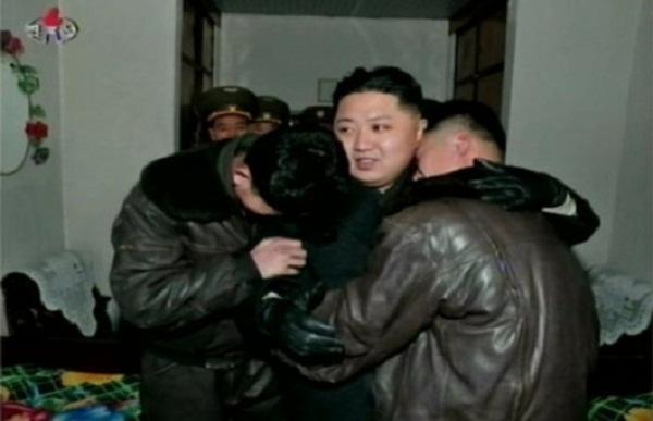Triều Tiên: Cứ gặp lãnh tụ là người dân lại khóc như mưa 9