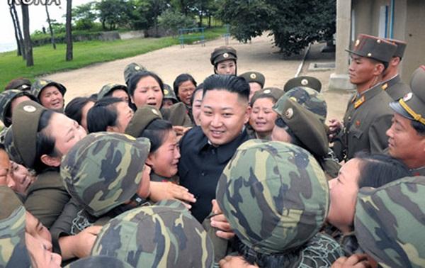 Triều Tiên: Cứ gặp lãnh tụ là người dân lại khóc như mưa 11