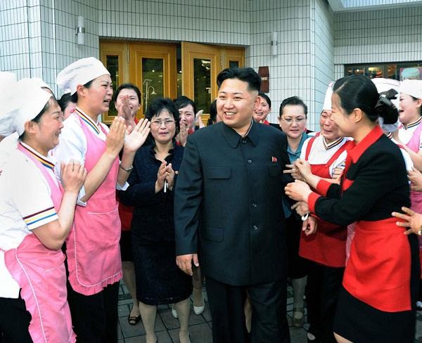 Triều Tiên: Cứ gặp lãnh tụ là người dân lại khóc như mưa 18