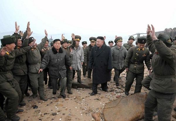 Triều Tiên: Cứ gặp lãnh tụ là người dân lại khóc như mưa 1