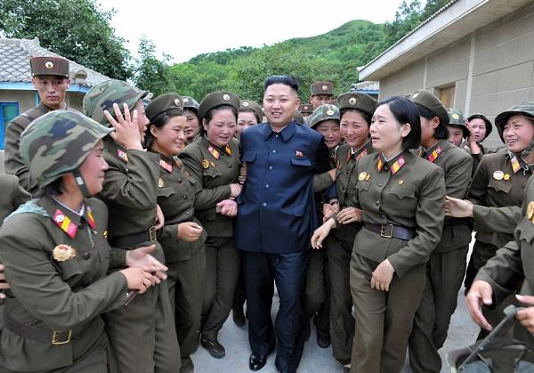 Triều Tiên: Cứ gặp lãnh tụ là người dân lại khóc như mưa 10