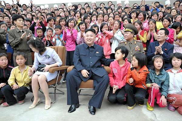 Triều Tiên: Cứ gặp lãnh tụ là người dân lại khóc như mưa 17