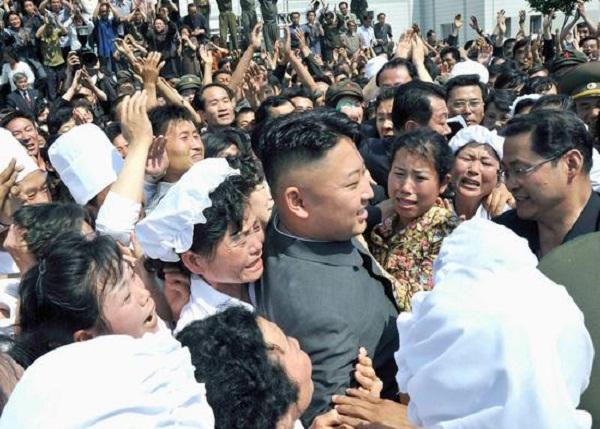 Triều Tiên: Cứ gặp lãnh tụ là người dân lại khóc như mưa 21