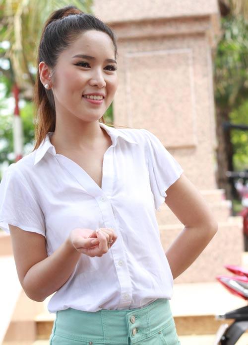 Những cô gái ngoại quốc xinh đẹp nổi đình đám tại Việt Nam 8