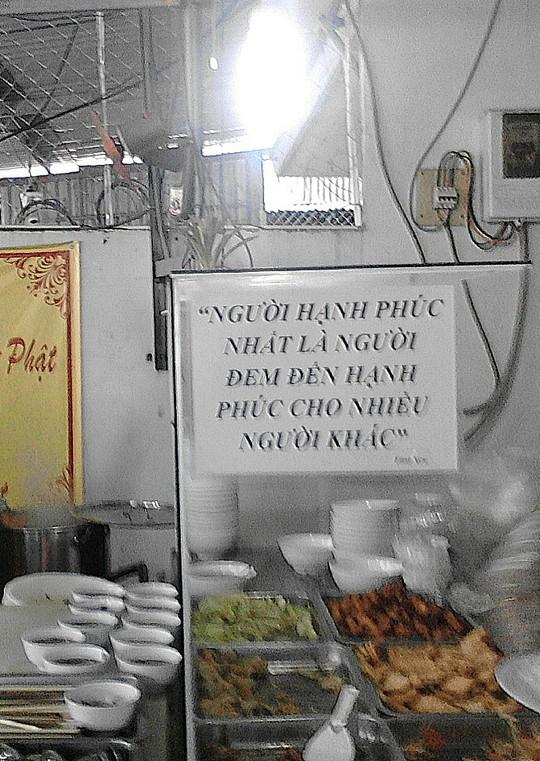 TP HCM: Ấm lòng với quán cơm 1.000 đồng 2