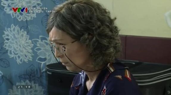 """Diễm My ghen vì """"Đại Ca U70"""" Chánh Tín được phụ nữ lạ nắm tay 4"""