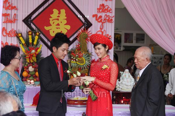 Những đám cưới hoành tráng của các hot girl Việt 60