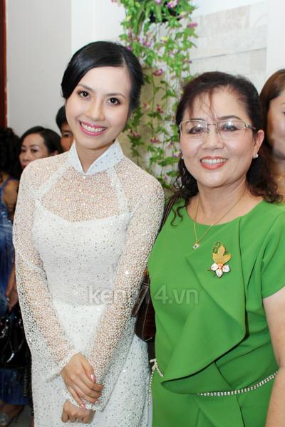 Những đám cưới hoành tráng của các hot girl Việt 96