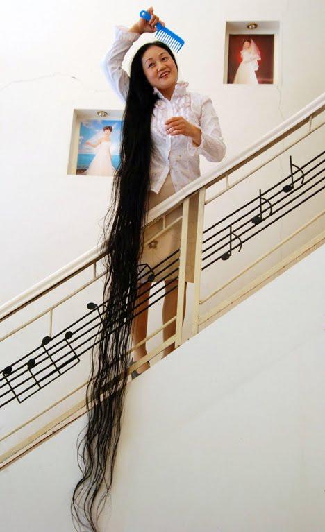 Choáng ngợp trước những kỷ lục khủng nhất về tóc tai 6