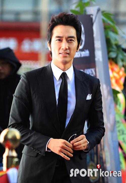 """Song Seung Hun """"say nắng"""" Shin Se Kyung 2"""