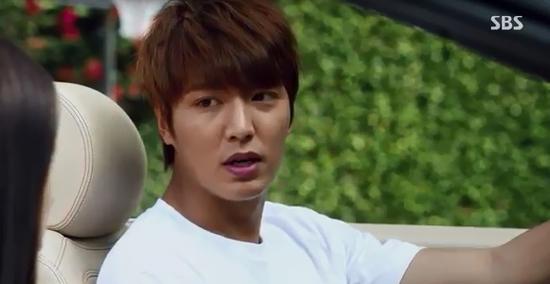 Park Shin Hye giật mình vì Lee Min Ho đột ngột cởi áo 4