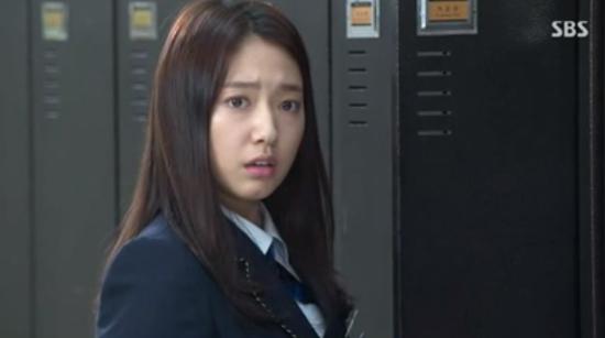 """Kim Tan (Lee Min Ho) """"tặng"""" tình địch cú đấm trời giáng 4"""