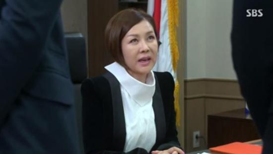 """Kim Tan (Lee Min Ho) """"tặng"""" tình địch cú đấm trời giáng 7"""