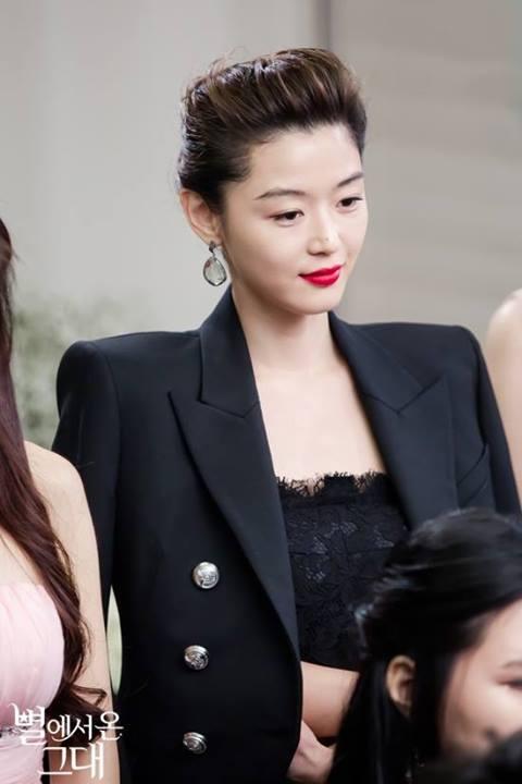 """Jeon Ji Hyun chịu làm """"minh tinh Trái Đất"""" vì Kim Soo Hyun 6"""