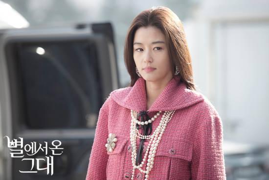 """Điểm mặt thành viên thuộc hội siêu sao """"siêu chảnh"""" trong phim Hàn 12"""