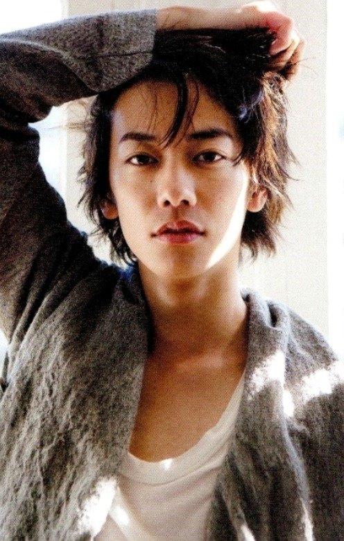 Điểm danh top 10 nam diễn viên Nhật Bản gợi cảm nhất 2