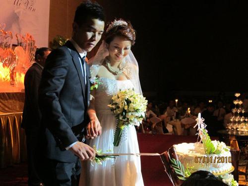 Những đám cưới hoành tráng của các hot girl Việt 6
