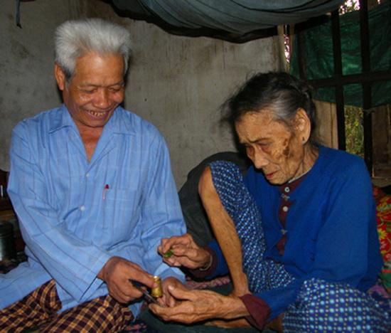 Ngỡ ngàng những mái tóc kỳ dị nhất Việt Nam 5